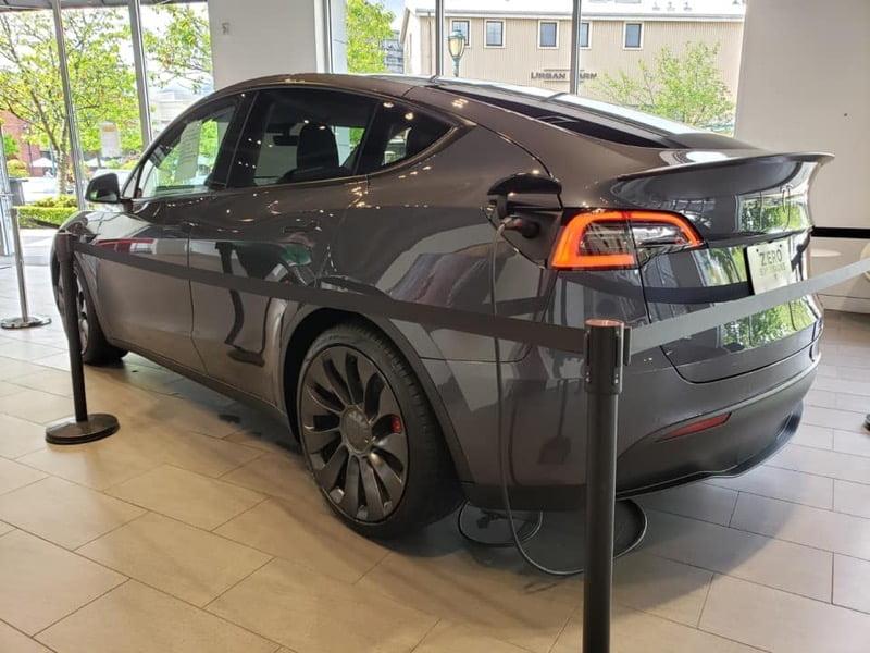 Tesla model y michelle h